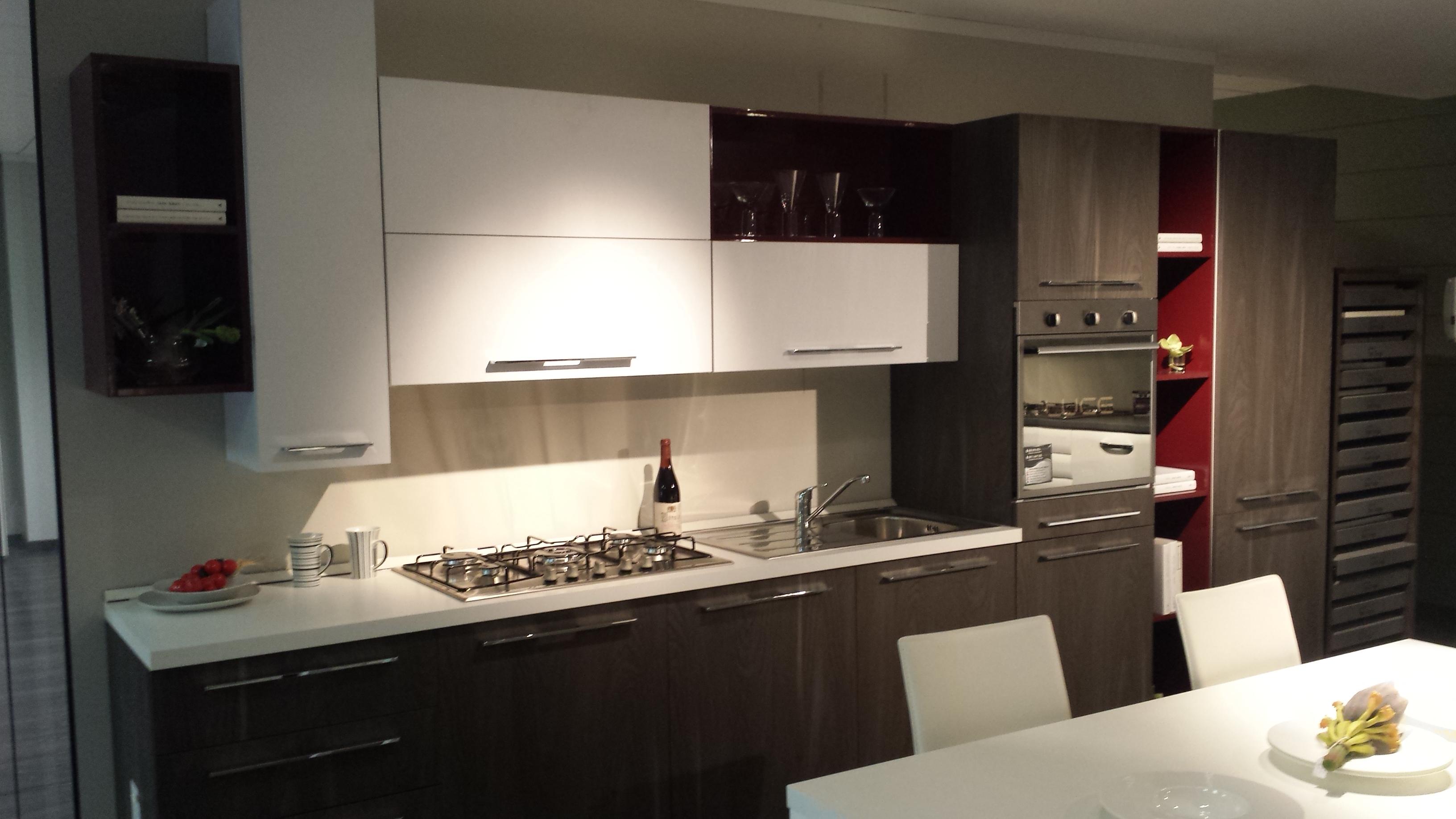 Cucina moderna in offerta scontata del 40 - Cucina in offerta ...