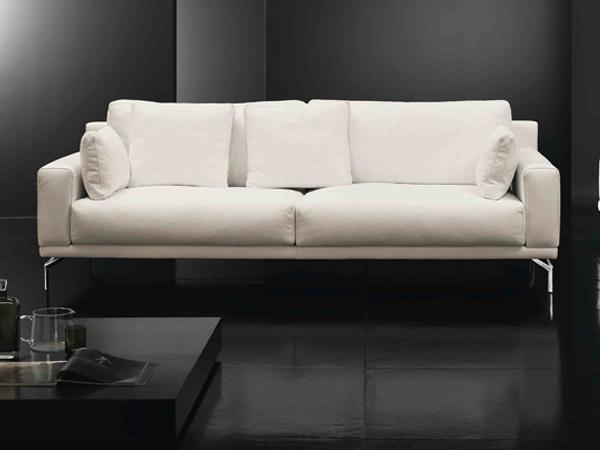 Filly, il nuovo divano di design, in vendita presso in nostro negozio