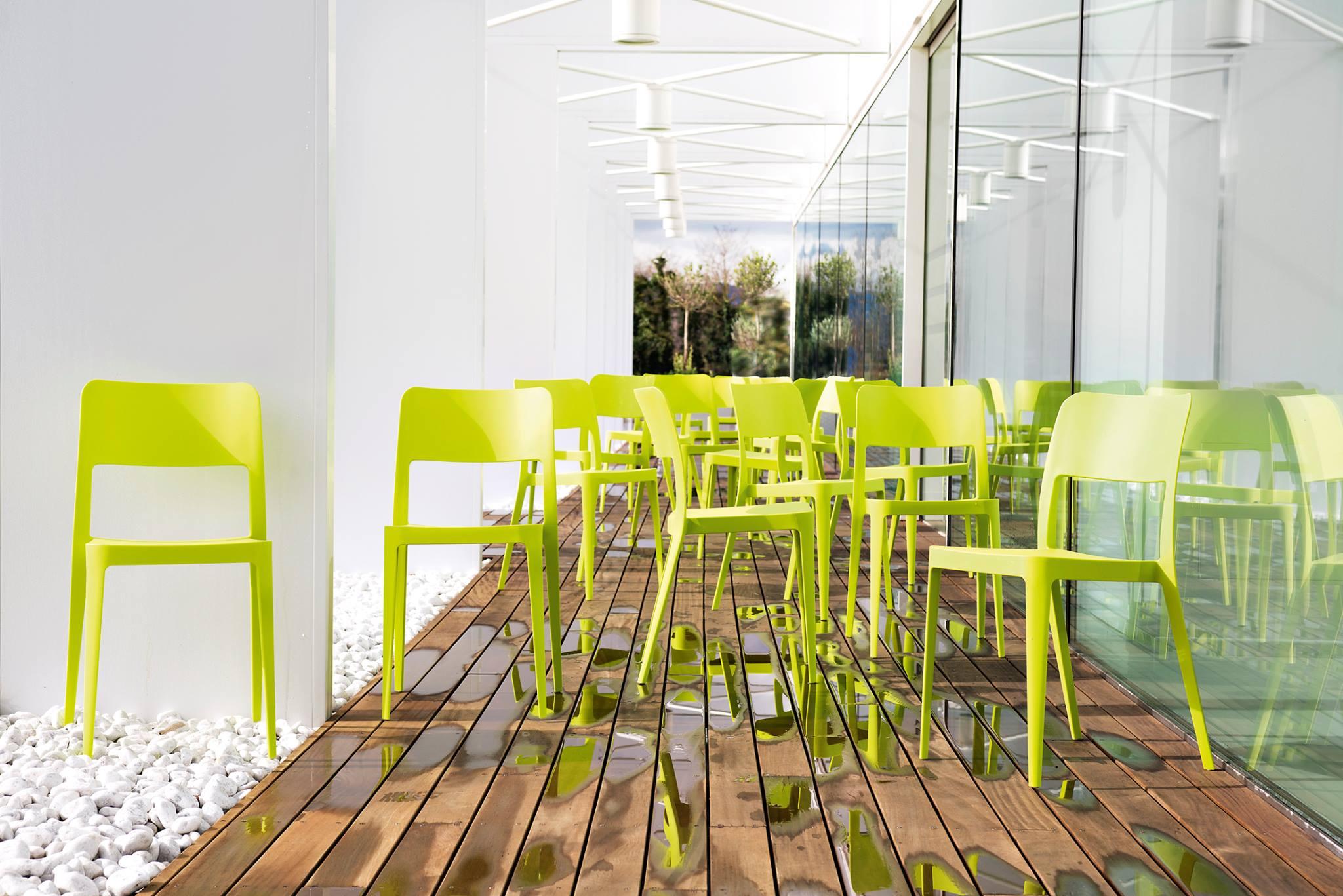 Nenè, una sedia giovane, fresca e colorata!